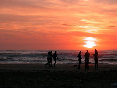 zandvoort,Nyderlandai,holland,noord holland,kranto,ežeras,saulėlydis,žmogus,draugai,jaunuoliai,suaugusieji,pateikti,gražus,laimingas