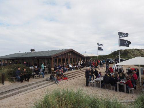 zanzibar bar beach hut