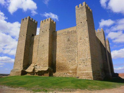 zaragoza spain castle