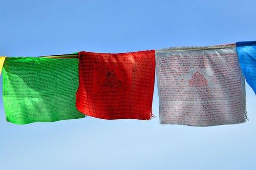 zaszlo  prayer flags  green