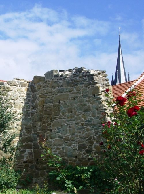 zeil am main spire city wall