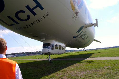 zeppelin friedrichshafen airship