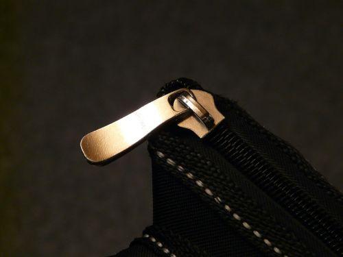 zip closure close
