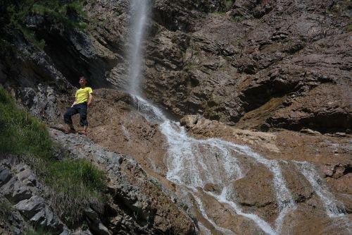 zipfel case waterfall man