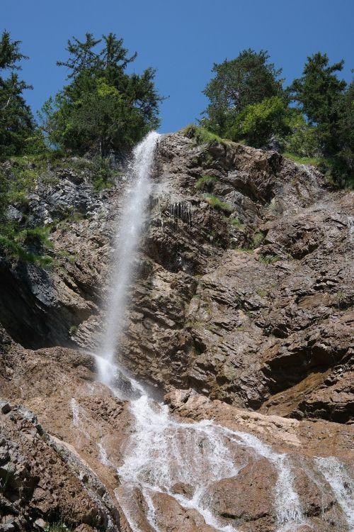 zipfel case waterfall hike
