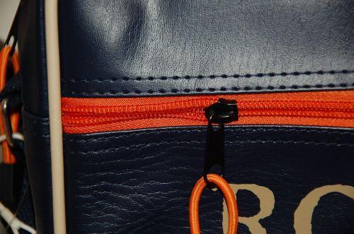 zipper bag closure