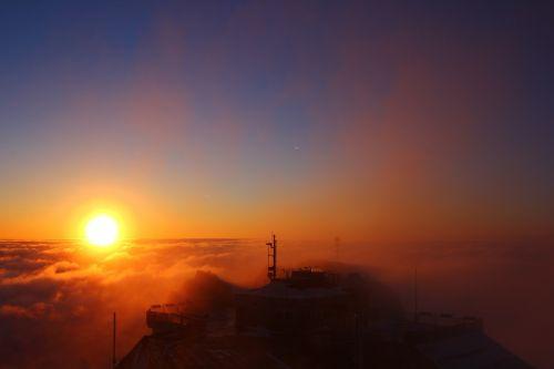 zugspitze,bavarija,rytų aukščiausio lygio susitikimas,saulėtekis,Alpių,aukščiausiojo lygio susitikimas,dangus,kalnas,įvedimas,alpinizmas,selva marine,kraštovaizdis,kalendorinis vaizdas,postkartenmotiv,žygiai,kalnai,debesys,viršūnių susitikimas