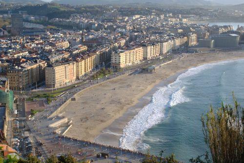 zurriola beach san sebastian spring
